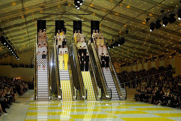 Louis-Vuitton-SS13-twins